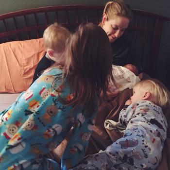 Alanna's kids meet their new sibling.